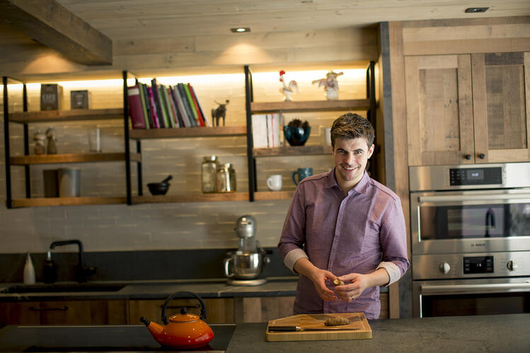 Chef-marchand-chez-boulay-home-kitchen